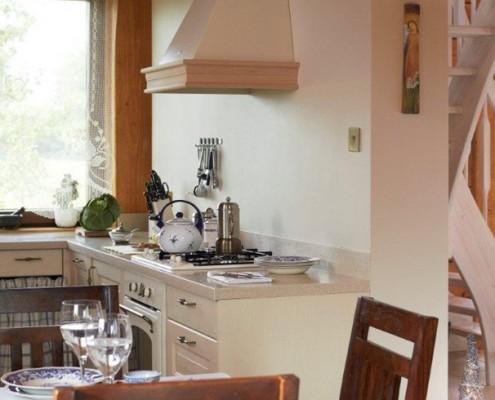 Biała kuchnia w stylu retro