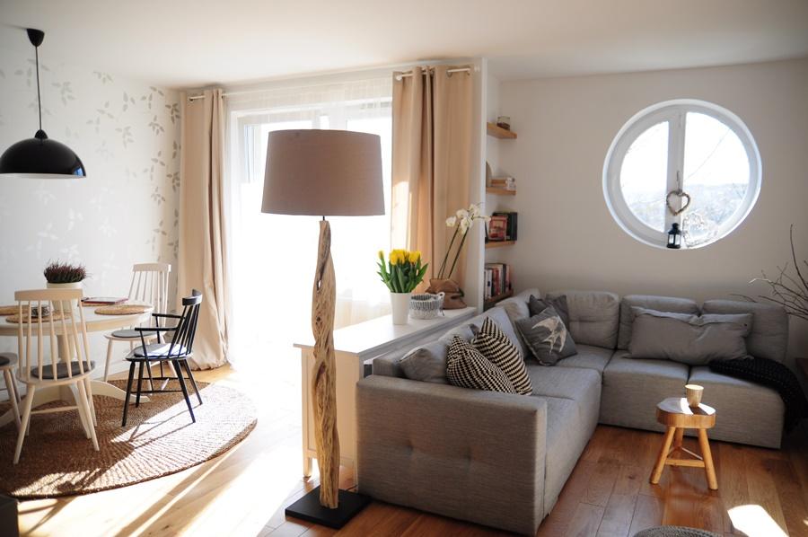 ma y salon z jadalni i otwart kuchni inspiracja homesquare. Black Bedroom Furniture Sets. Home Design Ideas