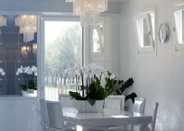 biała jadalnia – styl glamour