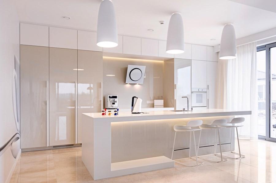 Kuchnia na wysoki połysk  Architektura, wnętrza   -> Kuchnia Biala Lakierowana Czy Matowa