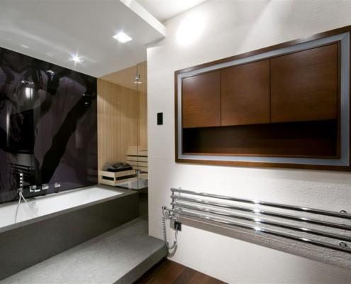 Przestronna łazienka z sauną