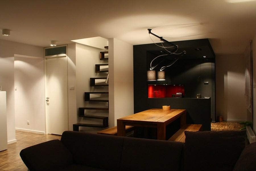Kuchnia z salonem w niecodziennych kolorach  Architektura   -> Kuchnie W Salonie