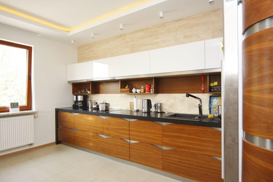 Nowoczesna kuchnia w drewnie - Architektura, wnętrza, technologia, design - HomeSquare