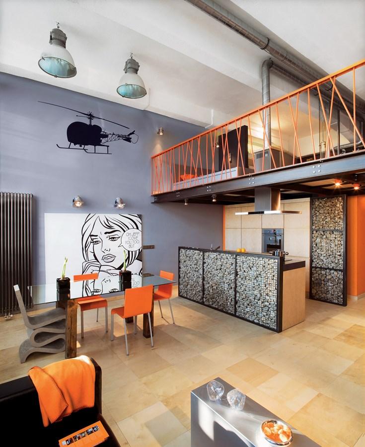 Industrialny loft w pomara czowym wydaniu architektura for W loft