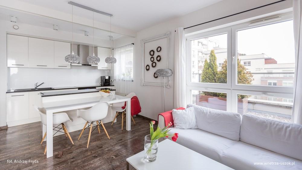 Nowoczesny salon połączony z kuchnią - Architektura, wnętrza, technologia, design - HomeSquare