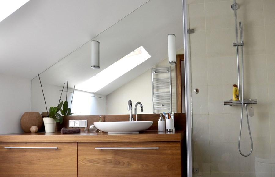 Niewielka łazienka Na Poddaszu Inspiracja Homesquare