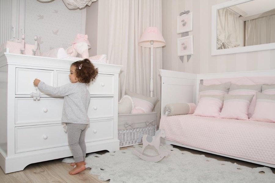 Biały pokój dla dziewczynki - Architektura, wnętrza, technologia, design - HomeSquare
