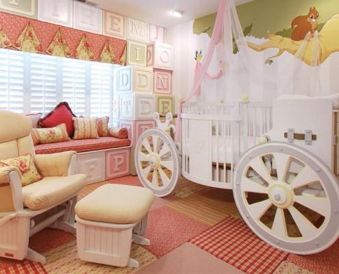 Różowy pokój dziecięcy