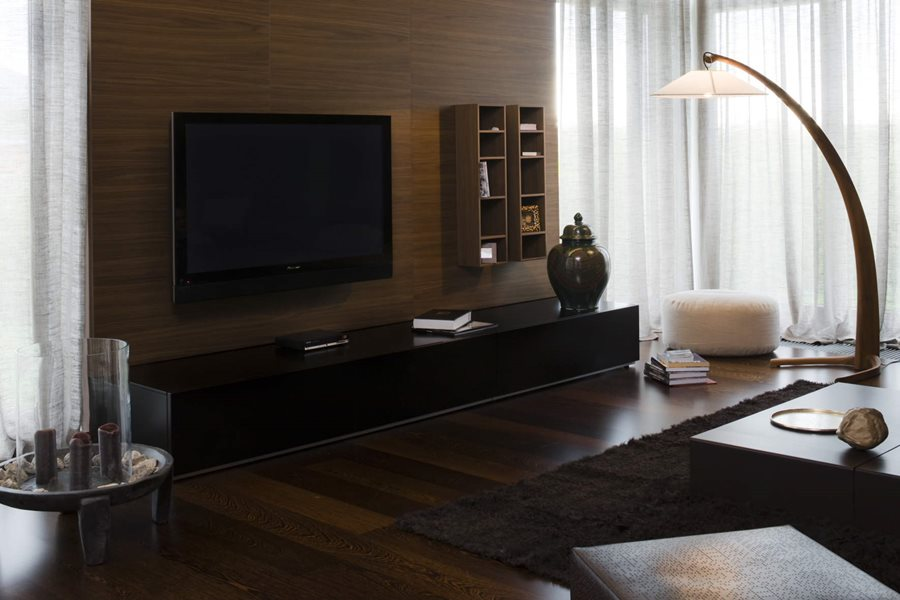 drewno w salonie homesquare