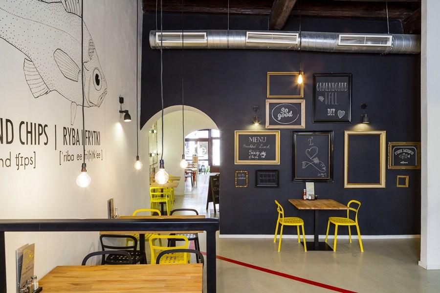 Industrialna restauracja - wnętrze restauracji