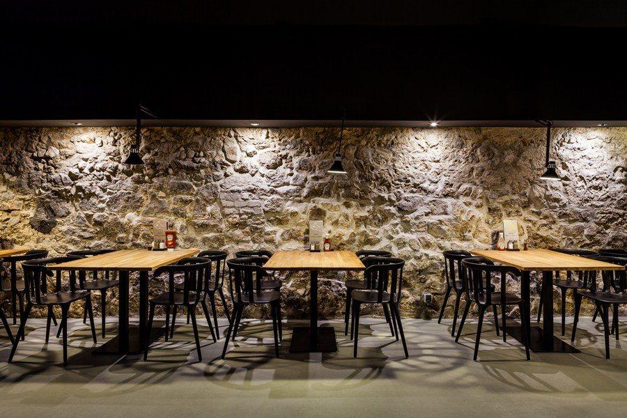 Industrialna restauracja - wystrój restauracji