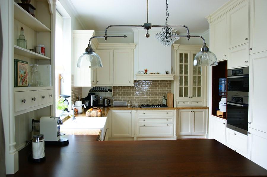 Aranżacja klasycznej kuchni  HomesSquare -> Klasyczna Kuchnia Z Jadalnią