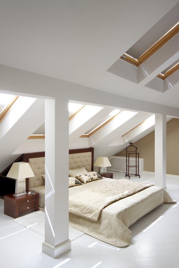 aranżacja sypialni na poddaszu homesquare