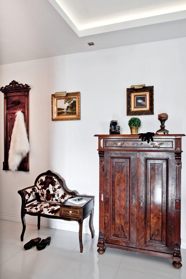 klasyczne meble do przedpokoju inspiracja homesquare. Black Bedroom Furniture Sets. Home Design Ideas