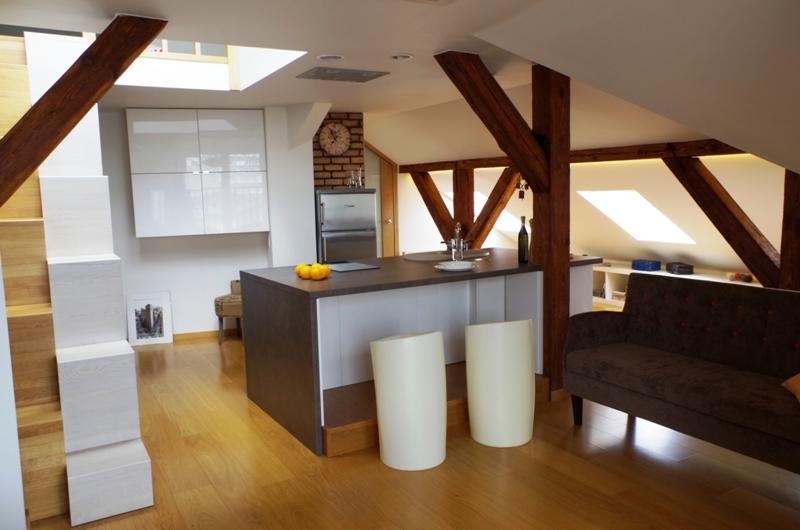 Salon z kuchnią na poddaszu  Architektura, wnętrza   -> Kuchnia Z Jadalnia Na Poddaszu