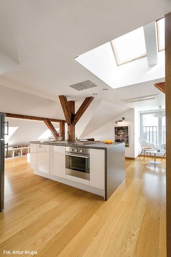 Salon Z Kuchnią Na Poddaszu Architektura Wnętrza