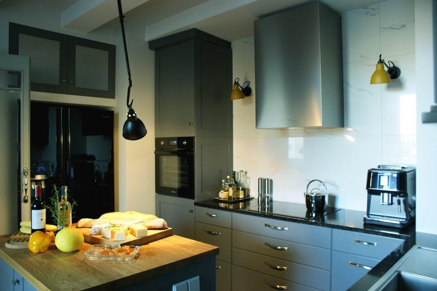 Szare Meble Kuchenne W Stylu Modern Classic Inspiracja Homesquare