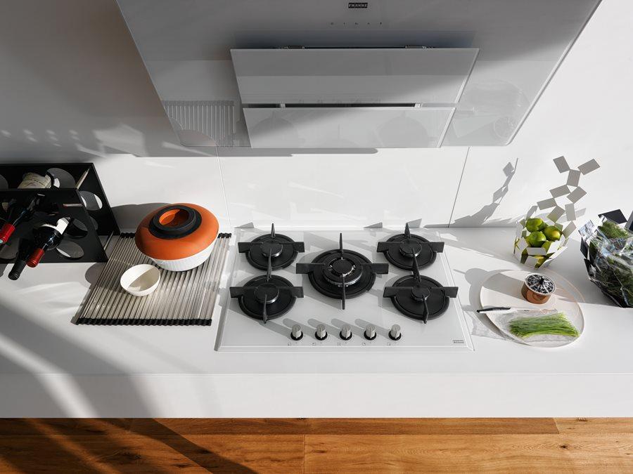 Nowoczesne wyposażenie kuchni w bieli  Architektura, wnętrza, technologia, d   -> Plyta Gazowa Do Zabudowy Szklana Opinie