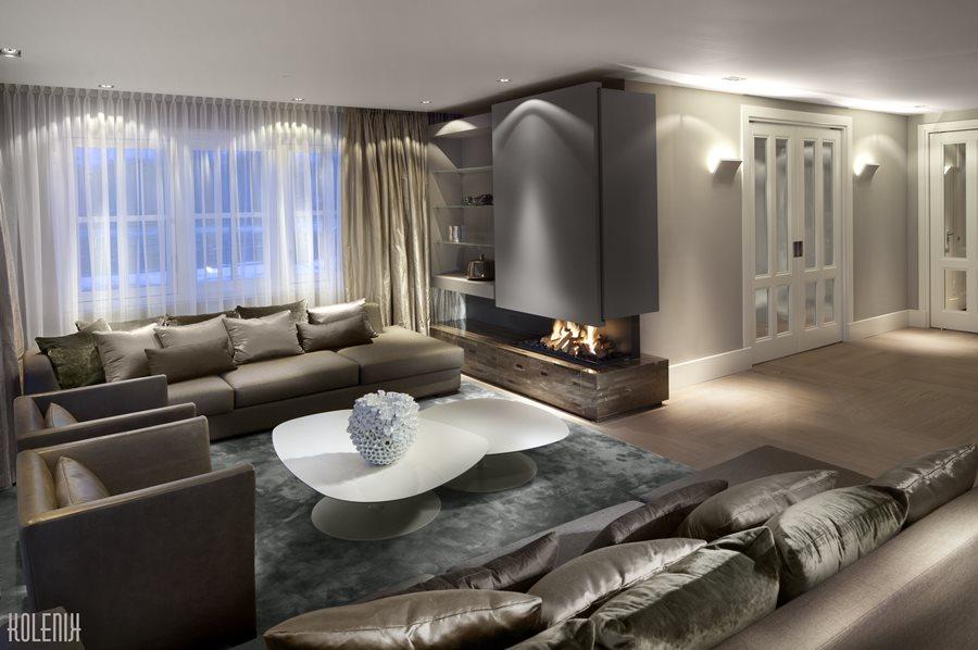 Nowoczesny salon z kominkiem - Architektura, wnętrza, technologia, design - HomeSquare