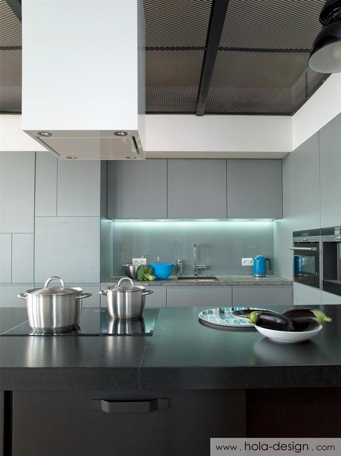 Industrialna kuchnia otwarta na salon  Architektura   -> Kuchnia Meble Szare