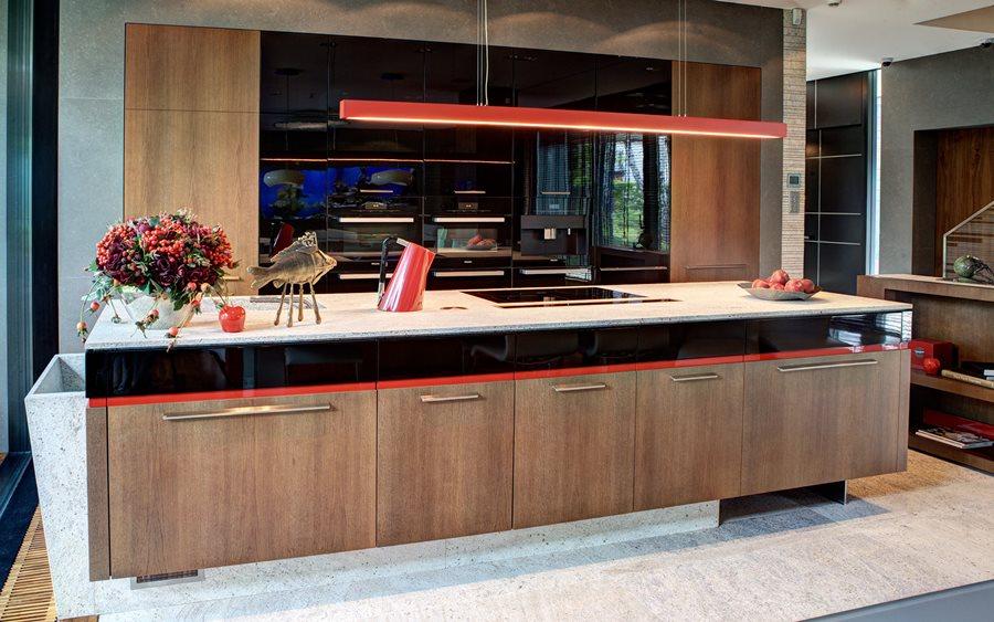 Nowoczesna kuchnia połączona z jadalnią - meble na wymiar