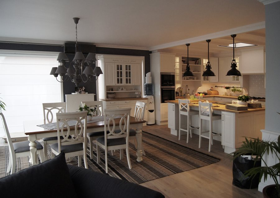 Aranżacja jadalni otwartej na salon  Architektura   -> Kuchnie Na Poddaszu Z Jadalnia