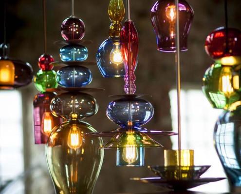 Kolorowe lampy ze szkła