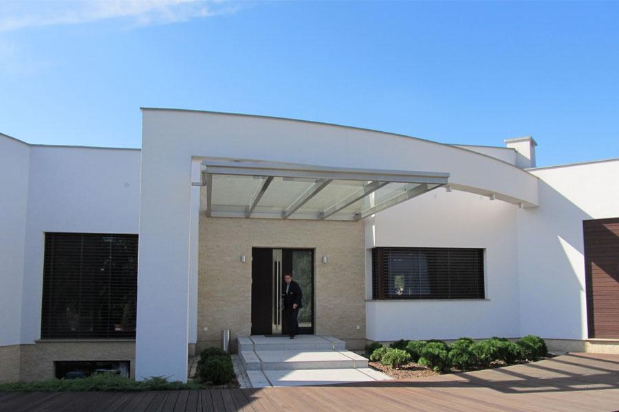 Nowoczesny bungalow w bieli