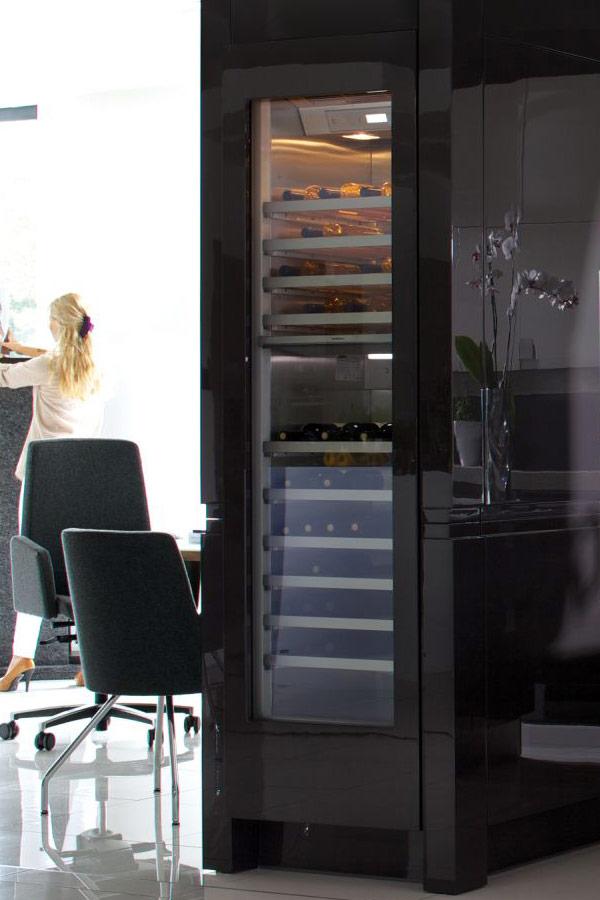 Biało czarna kuchnia na wysoki połysk  Architektura, wnętrza, technologia, d   # Kuchnia Czarna Na Wysoki Polysk
