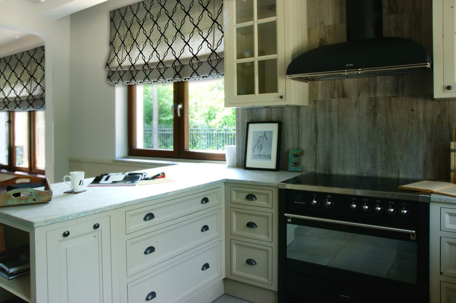 Otwarta kuchnia w stylu modern classic  Architektura, wnętrza, technologia,   -> Kuchnia Pol Otwarta