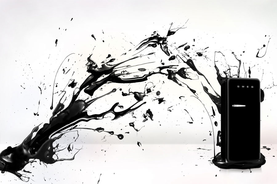 Czarna lodówka retro Smeg
