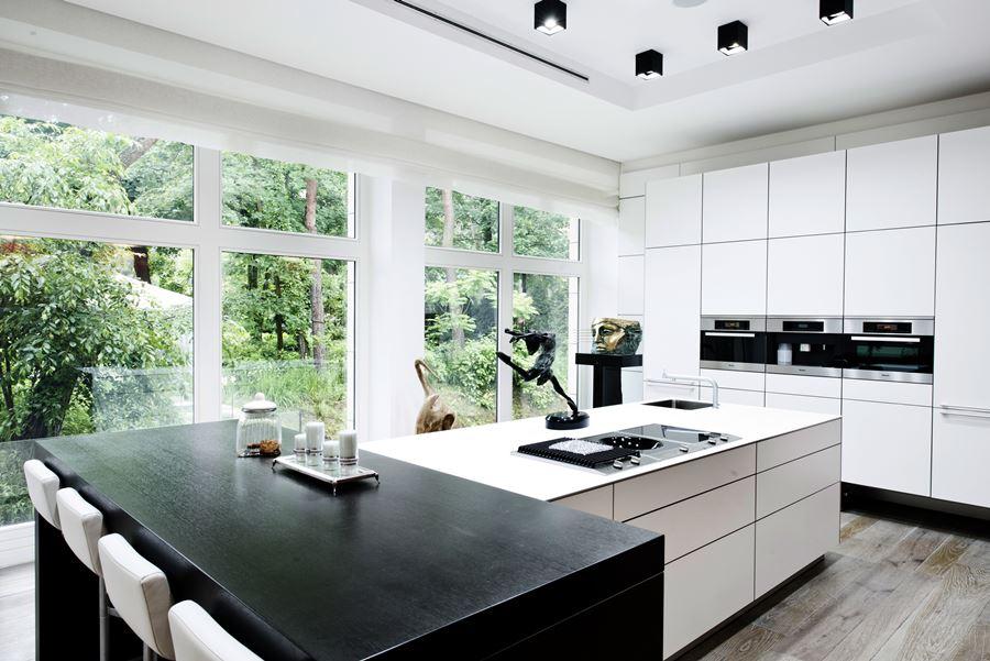 Duża wyspa kuchenna - jak urządzić kuchnię w nowoczesnym stylu