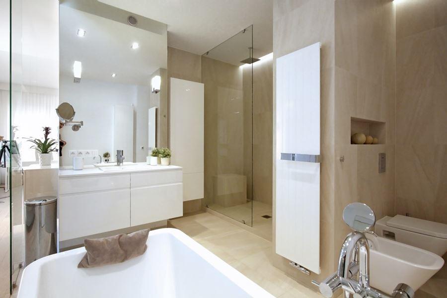 Pokój kąpielowy w sypialni