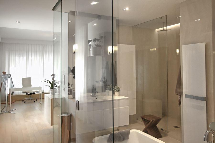 Pokój kąpielowy w sypialni - Architektura, wnętrza, technologia, design - HomeSquare