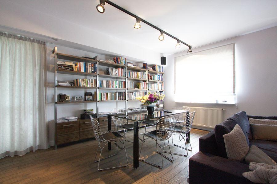 Industrialny salon z jadalni architektura wn trza for Salon workspace