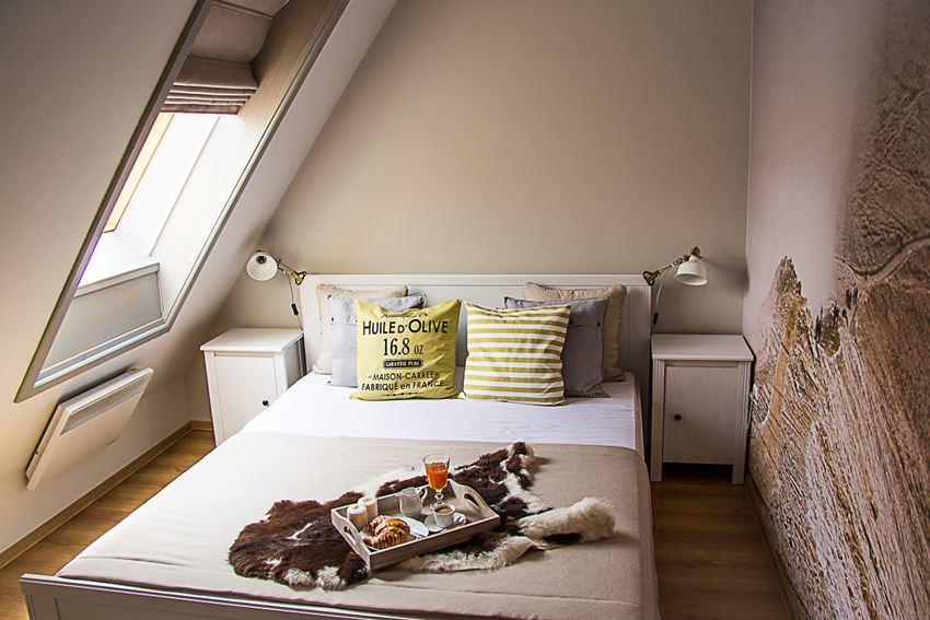 Biała Sypialnia Na Poddaszu Inspiracja Homesquare