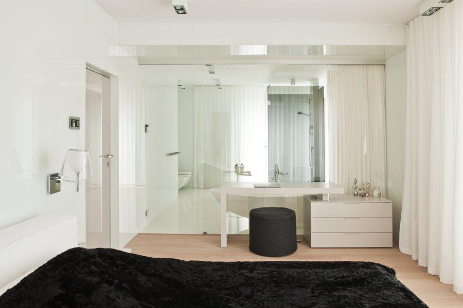 Szklana ściana w łazience
