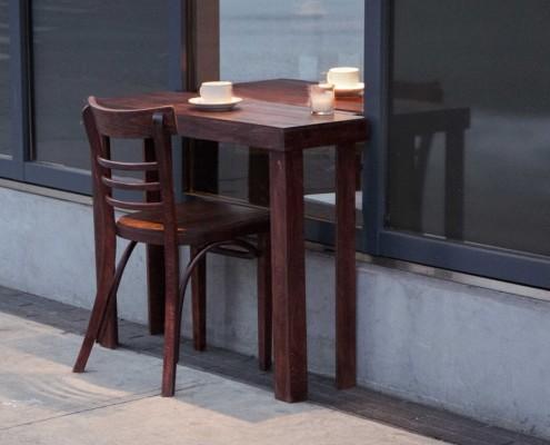Nietypowy stolik