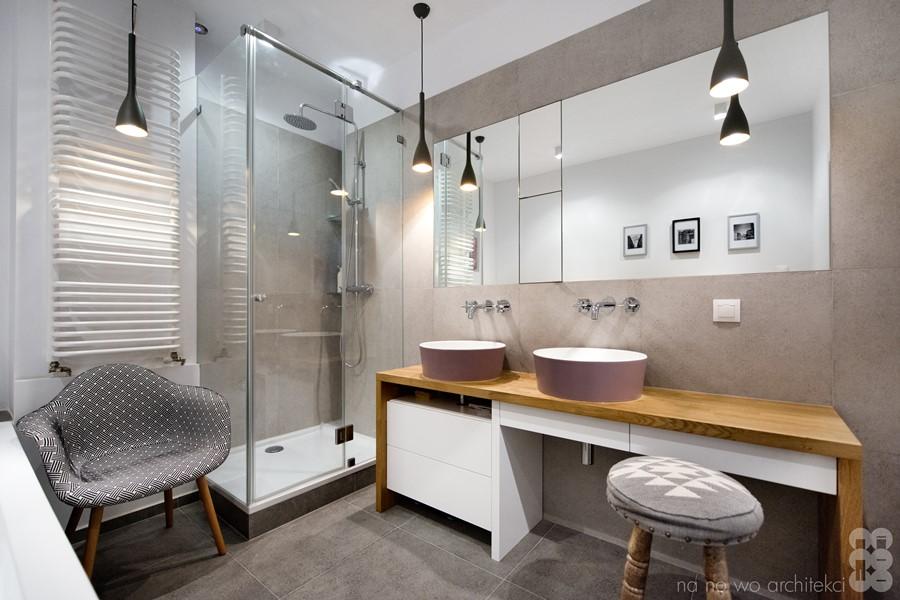 Aranżacja nowoczesnej łazienki z prysznicem w mieszkaniu - oryginalna łazienka