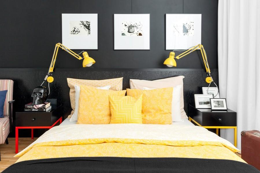 Kolorowa sypialnia połączona z pracownią - poduszki i poduchy dekoracyjne
