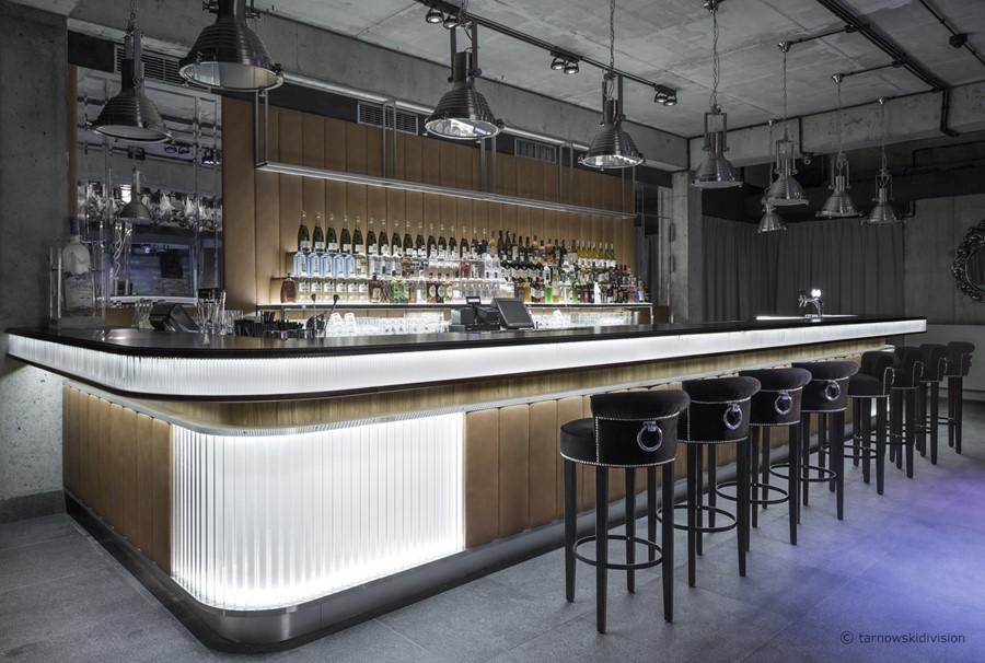 Le Scandale cocktail bar Projektu Szymona Tarnowskiego