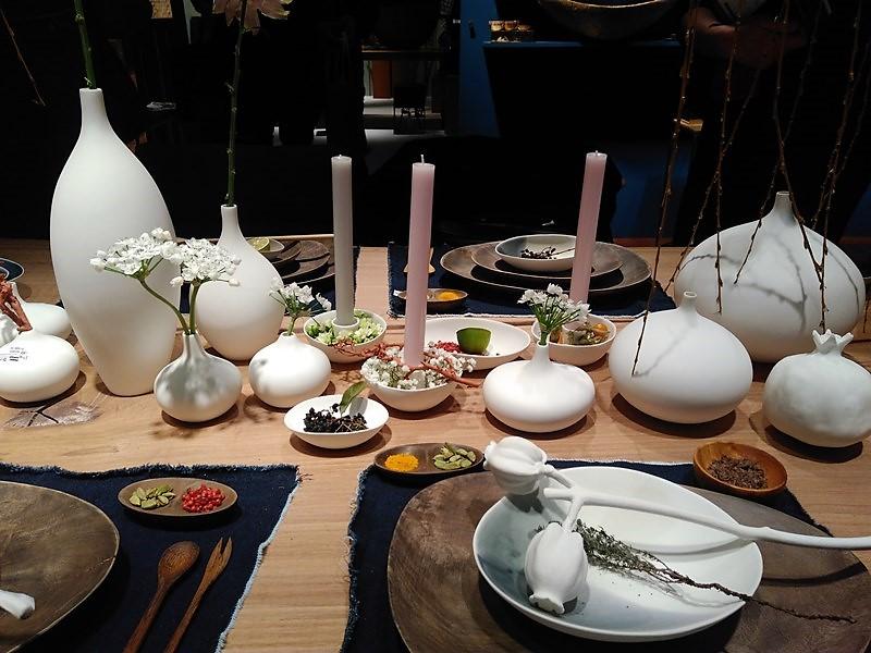 Najmodniejsze nakrycie stołu z wykorzystaniem porcelanowych naczyń