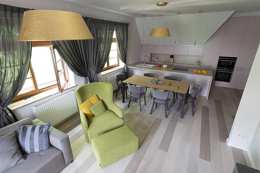 Nowoczesna kuchnia z wyspą w salonie  Architektura   -> Kuchnie W Salonie