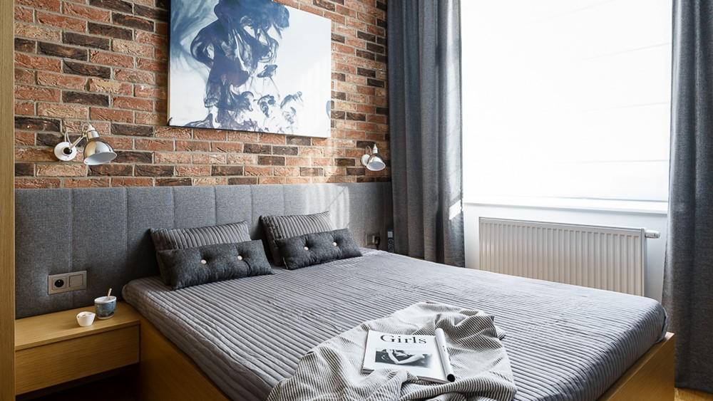 Cegła w sypialni - Ściana z cegły