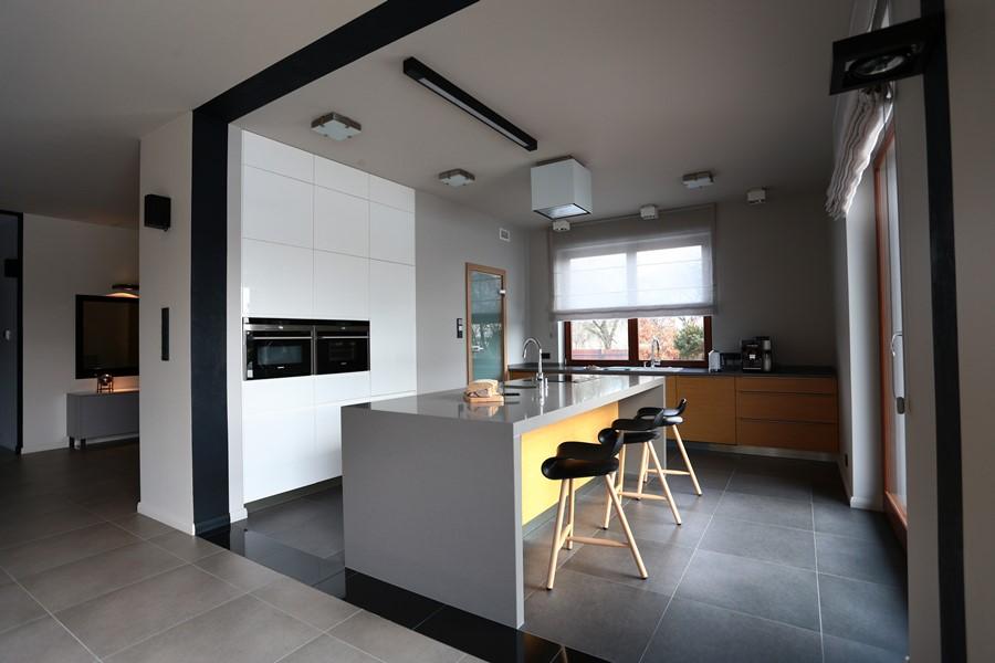 Kuchnia z wyspą otwarta na salon  Architektura, wnętrza, technologia, design   -> Kuchnia Z Oknem Otwarta Na Salon