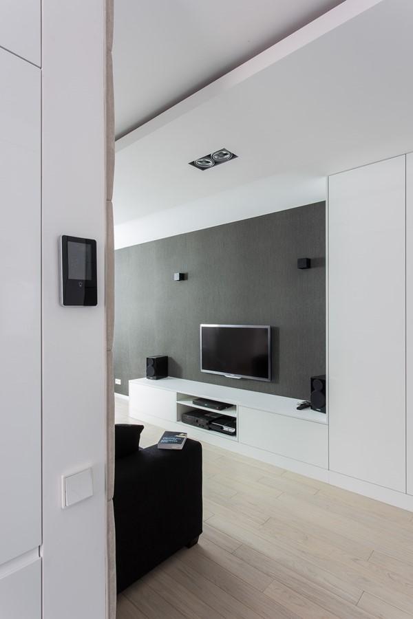 Nowoczesne meble w białym salonie styl nowoczesny