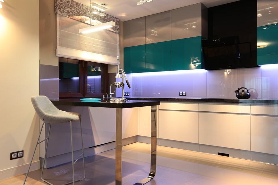 Otwarta kuchnia na wysoki połysk styl nowoczesny - jak urzadzić kuchnię