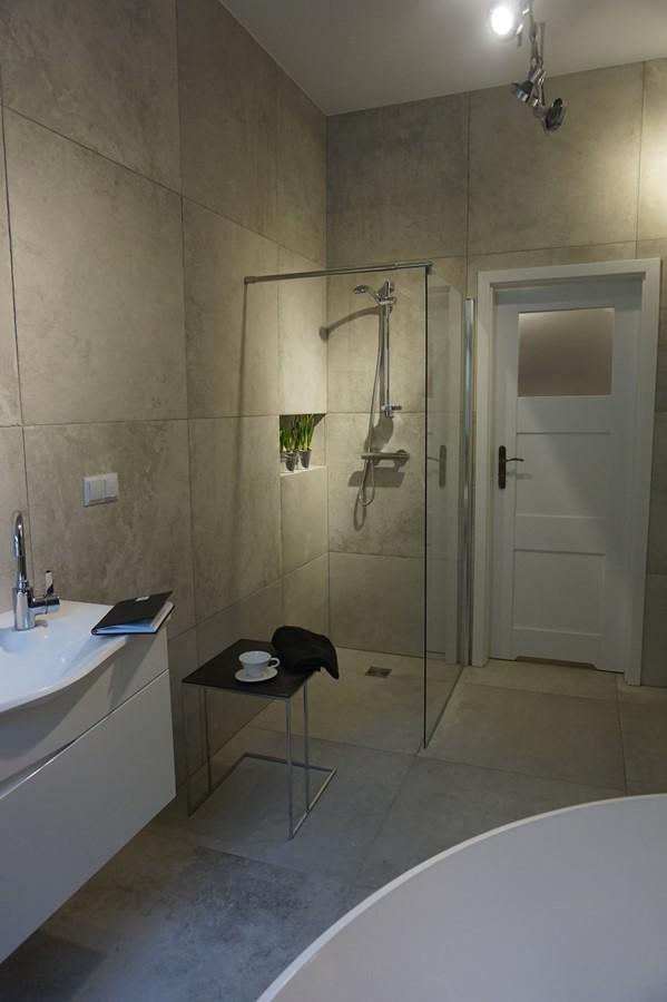 Industrialna łazienka Z Wolnostojącą Wanną Inspiracja Homesquare