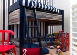 Piętrowe łóżko dla chłopca w nowoczesnym stylu