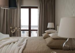 Nowoczesna sypialnia w beżach